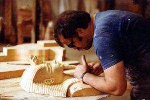 Tom carving Tut